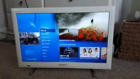 "SONY BRAVIA 22"" HD LCD TV WHITE"
