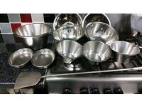 STAINLESS STEEL CONTAINERS & BOWLS