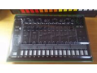 ROLAND TR-8 Drum Machine With the 7X7 Expansion, Deck Saver Dust Cover Boxed Excellent Cond. TR 808