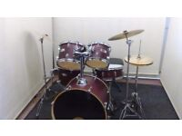 Retired drum teacher has a Mapex 'V series' 'Fusion' drum kit for sale.