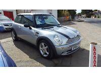 2004 Mini Cooper - Dual Sunroof - Nice example! **UNIQUE ROOF**