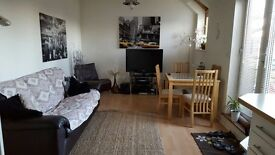 Modern, top floor, two bedroom, two bathroom flat to rent on Moulsham Street, Chelmsford. Parking.