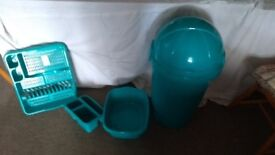 Kitchen accessory set brand new in teal