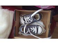 Size 4 toddler converse