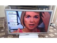 """SANDSTREAM 32"""" HD READY LED TV FREEVIEW/WHITE FINISH/MEDIA PLAYER/ IN MINT CONDITION NO OFFERS"""