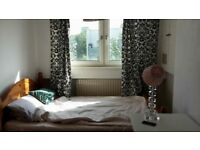 Spacious rooms 5 min walk to Bethnal Green short term let until Sep all bills included