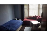 Monday To Friday Room For Rent In Horfied (top Of Glos Rd)