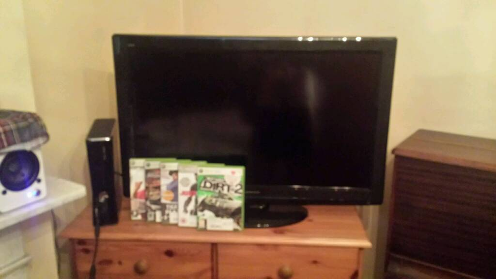 """Xbox 360 with five games and 32 """" Panasonic tv"""