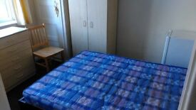 SMALL DOUBLE EN-SUITE ROOM TO-LET. HIGH RD.WHETSTONE. N209HJ