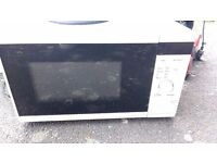 Microwave - £5.00 works fine - LE65 area
