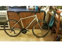 Specialised Sirrus elite 2013 Grey hybrid bicycle median