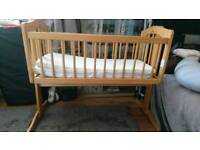 BabiesRus Swinging Rocking Crib