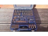 "snap on , Blue Point 100 piece ¼"" and 3/8"" Dr. General Service Set 2100MBPGSSUK"