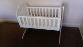 OBaby Sophie Swinging Crib - pre assembled (for collection)