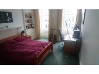 3 available rooms in beutiful Morningside-flat