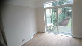 Lovely Refurbished 3 Bed House off The Drive Close to Tube