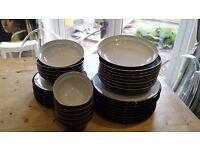 Denbi dinnerware