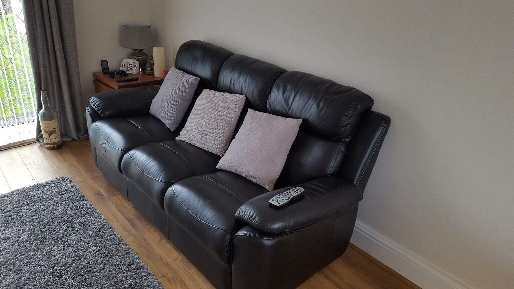 Black leather sofain Bedlington, NorthumberlandGumtree - Black Leather 3 seat Sofa, detachable back to make for easy transportation, £900 when new, good condition apart from a tear in the left seat where it has been taped with black tape as this hides it best, been advised it can be repaired. Ideal for...