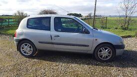 2000 Renault Clio MOT'd until November