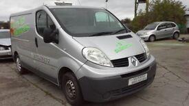 **For breaking** 2008 Renault Traffic van 2.0 Diesel (6 speed).
