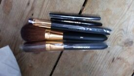 *GENUINE DOLCE&GABBANA MAKE UP BRUSHES*