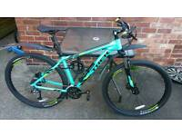 Mens almost new Trek Marlin 7 18.5 inch 29er 2016 with all accessories. Ridden twice.
