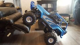 BARGAIN LARGE REMOTE CONTROL JEEP COST OVER £150 WHEN NEW WOULD MAKE A GREAT XMAS GIFT ONLY £50