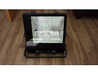 Newlec Asymmetric Large Aluminium Floodlight - 250W MH (E40)