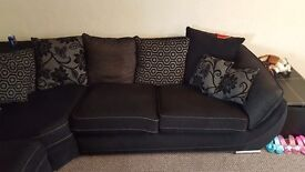Gorgeous 5 seater corner sofa with foot stool- amazing condition -