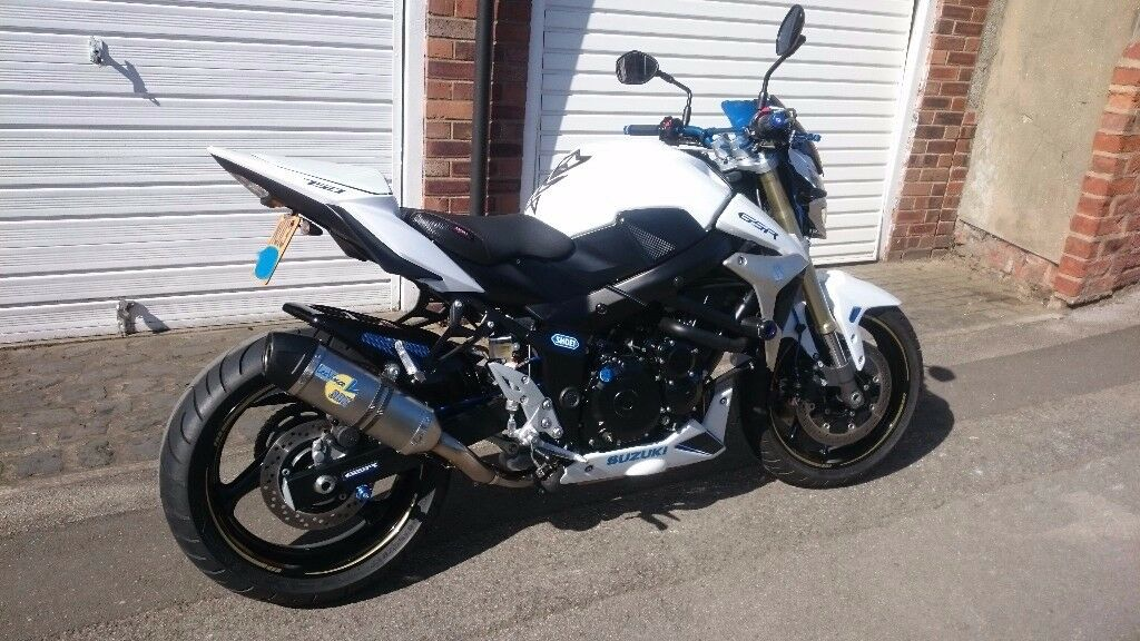 suzuki gsr 750 l1 2013 must see all extras listed great condition all ways garaged dry. Black Bedroom Furniture Sets. Home Design Ideas