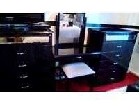 BLACK GLOSS/MIRRORED BEDROOM FURNITURE