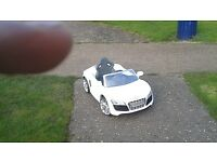 Kids Audi r8 spider electric car