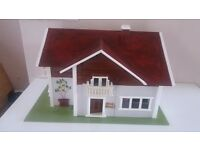 Wooden dolls house with base - ideal project