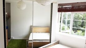 AMAZING DOUBLE ROOM IN RAYNES PARK & FEELS LIKE HOME & ONLY SHORT TERM