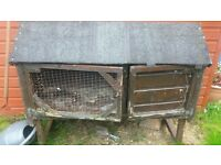 free - Small rabbit hutch