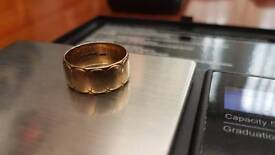 9ct gold ring/band 3.9g