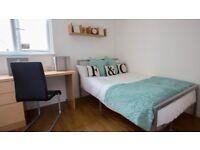 1 bedroom flat in 150 Firhill Court,