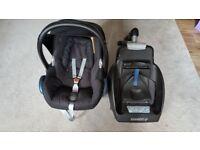 Maxi -Cosi car seat with Easy Base 2