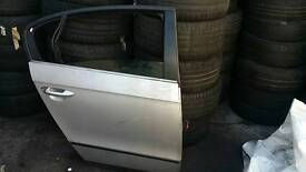 VW PASSAT DOOR