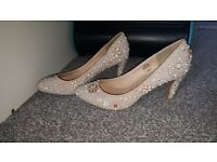 Womens size 7 wedding shoes