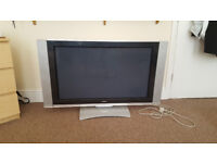 37 Inch HITACHI flat screen with automatic swivel stand