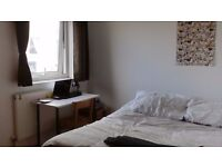 DOUBLE ROOM SHOREDITCH - beautiful and friendy house share - availanle April 5th