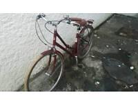 "Red victoria pendleton 17"" hybrid bike"