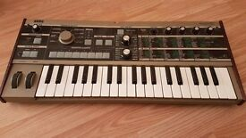 Korg Microkorg Synthesizer and Vocoder Mic - Synth