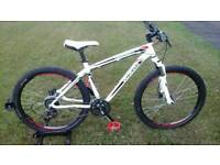 SOLD SPECIALIZED HARDROCK SPORT HYDRAULIC DISC MOUNTAIN BIKE * STUNNING CONDITION / FULLY SERVICED *