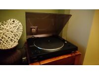 Sony PS-LX300USB Fully Automatic Turntable. MINT