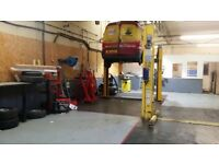 Garage with 2 ramps and tyre machine to rent, great for start up business