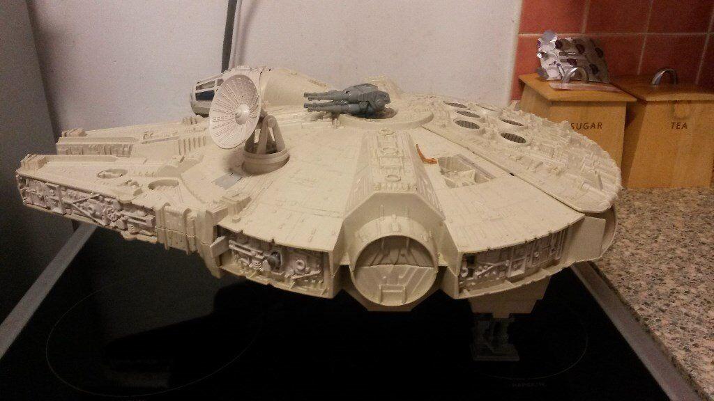 Original 1979 Kenner Millennium Falcon - 95% complete