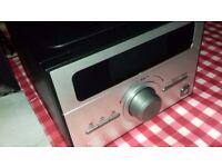 Cd/Radio mini hif fi with twin speakers.
