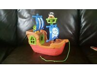 Pull along Pirate ship with sound